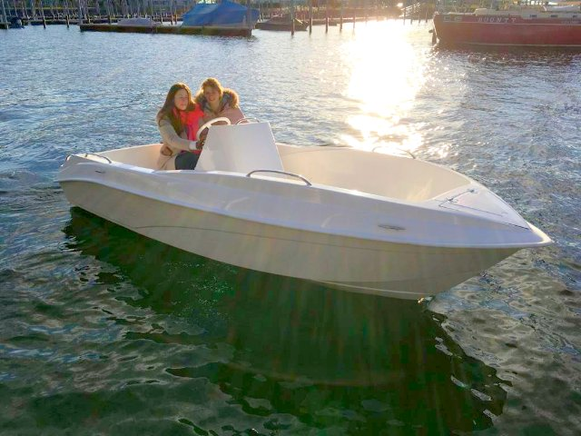 Electric boat e-FUN 485